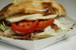 02 Fresh Kebab pui cu mozzarella