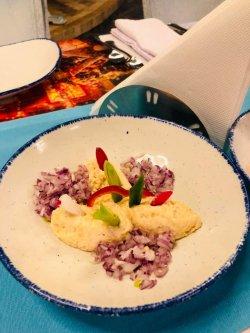 Salată din icre de crap și ceapă roșie image