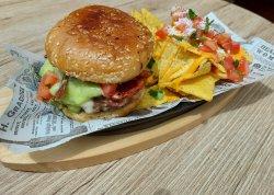 Mexican Burger & Nachos