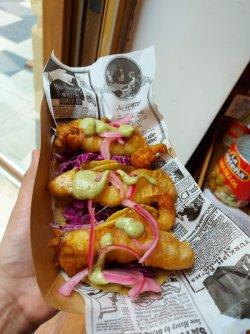 Tacos de pescado image