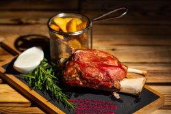 Ciolan de porc la cuptor image
